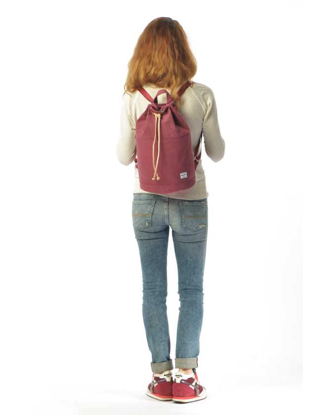 425599de2a4c Водоотталкивающий городской женский рюкзак Herschel Hanson Select Black  отзывы; 2; 2; 2; 2; 2