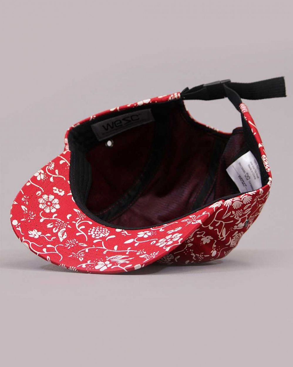 Бейсболка Wesc HawaiWe 5 Panel Unisex Baseball Jester red цена в Москве
