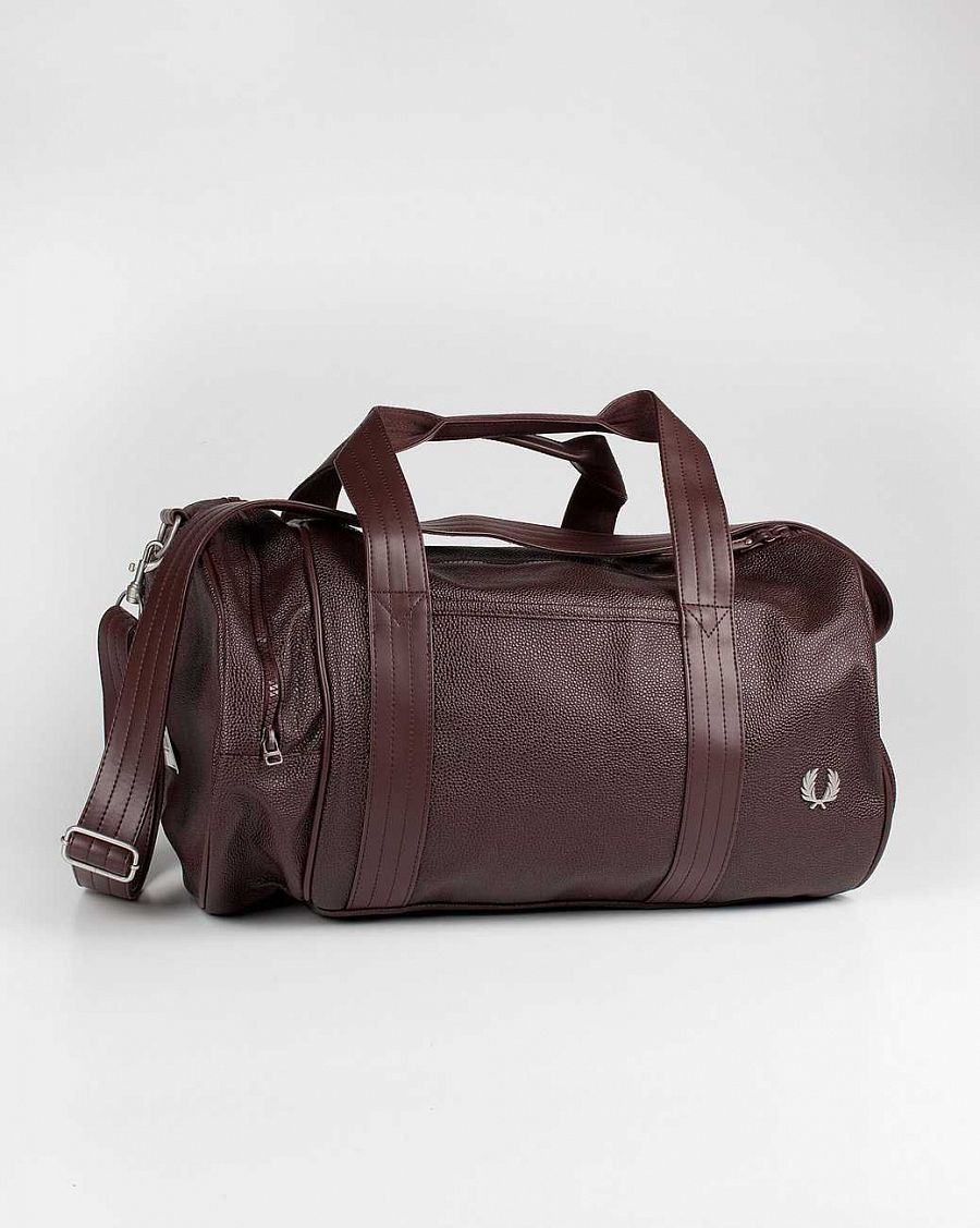 купить Сумка Fred Perry L1144 Scotch Grain Barrel Bag Rich Chocolate в Москве