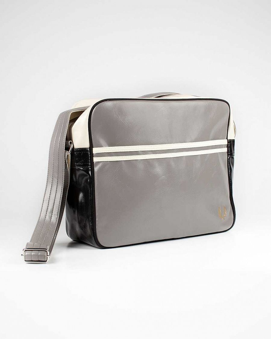 купить Сумка Fred Perry L1180 Classic Shoulder Bag Feather в Москве