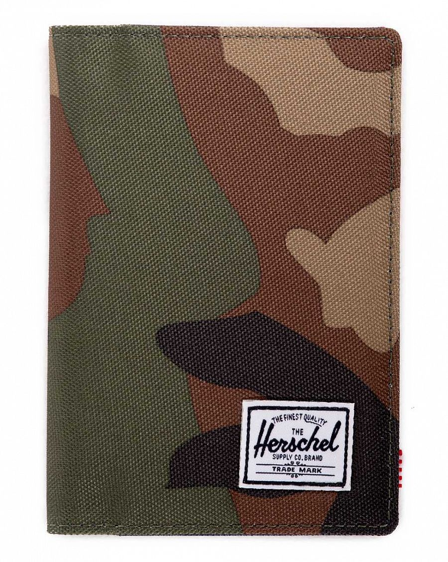 Обложка Herschel Raynor Passport Holder Woodland Camo Navy Red отзывы