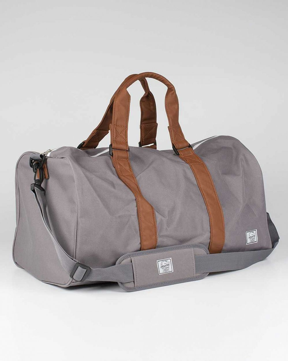 купить Cумка спортивная Herschel Ravine Grey Tan в Москве